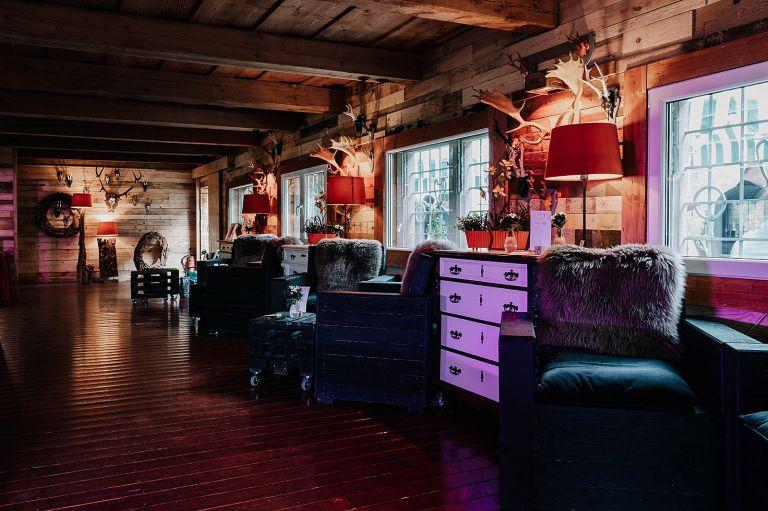 Bar und Feierraum